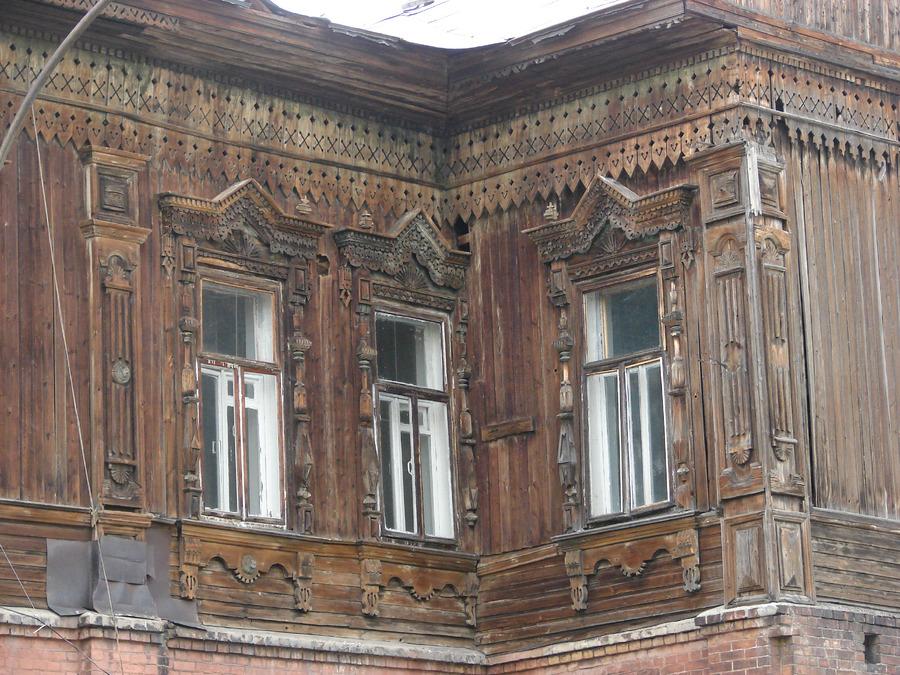 Административное здание по ул. Матросова, 13